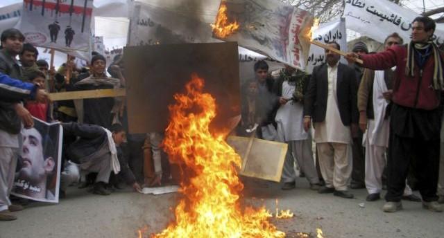Afgani protestano contro l'Iran nella provincia di Jalalabad