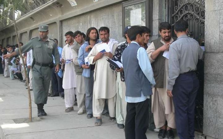 Afgani che cercano lavoro in Iran