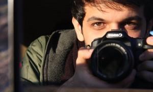Keywan Karimi, condannato a 6 anni di carcere e 223 frustrate per un film sui graffiti di Teheran